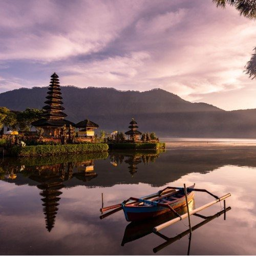 A beautiful sunrise at a Lake Bratan with UlunDanu temple,Bali,Indonesia
